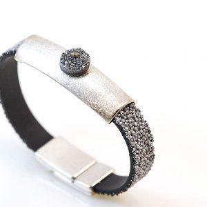 Silver bracelet with aqua aura