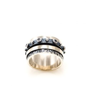 Silver Ring with zirgon