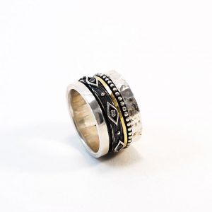 Hand made Silver & 18ct gold Ring with zirgon